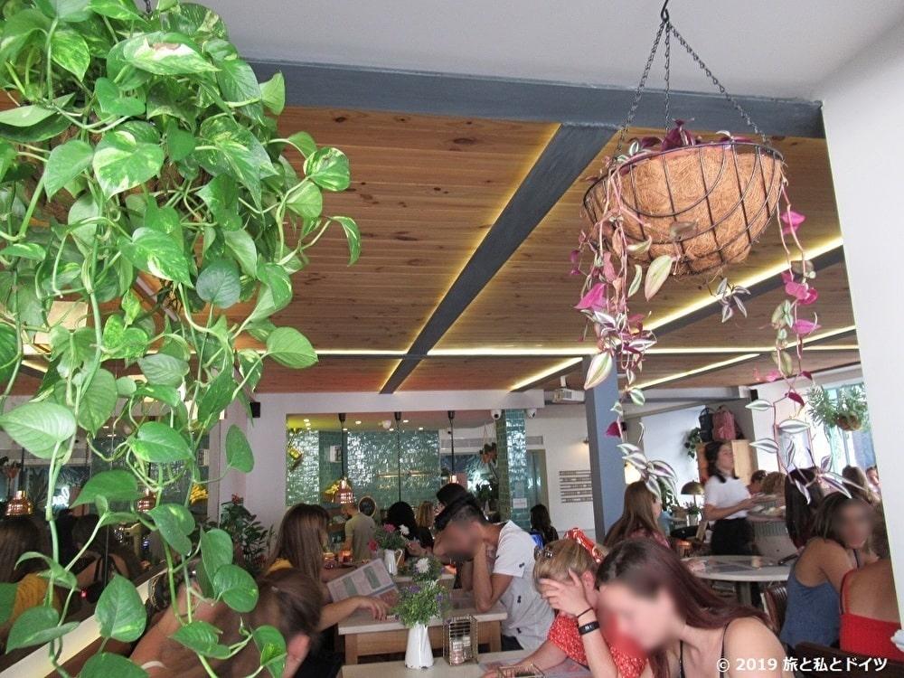 「nicolau-cafe」の内装
