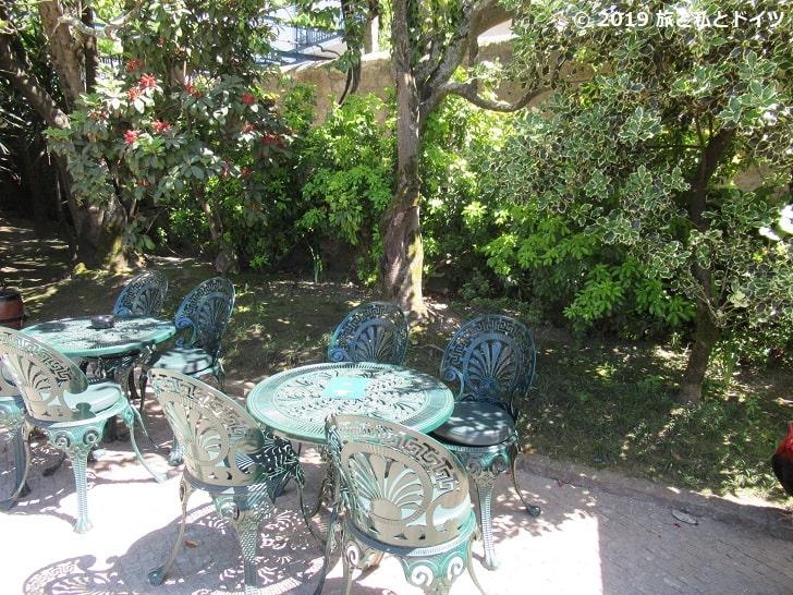 テイラーズのカフェのテラス席