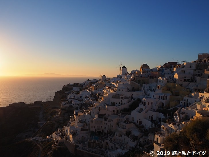 イアの古城からの夕日