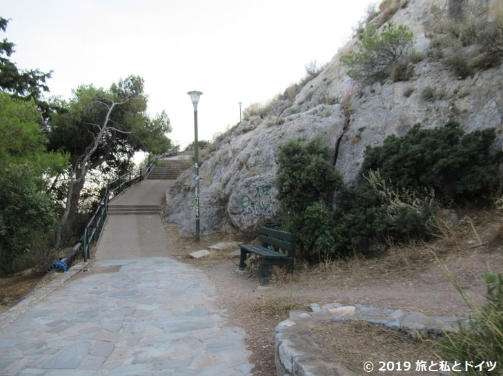 リカヴィトスの丘までの道なり