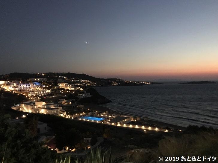 ミコノスの日没後の景色