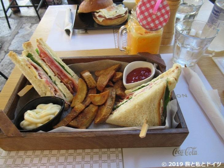 レストラン【Pantheon】でオーダーしたサンドイッチ