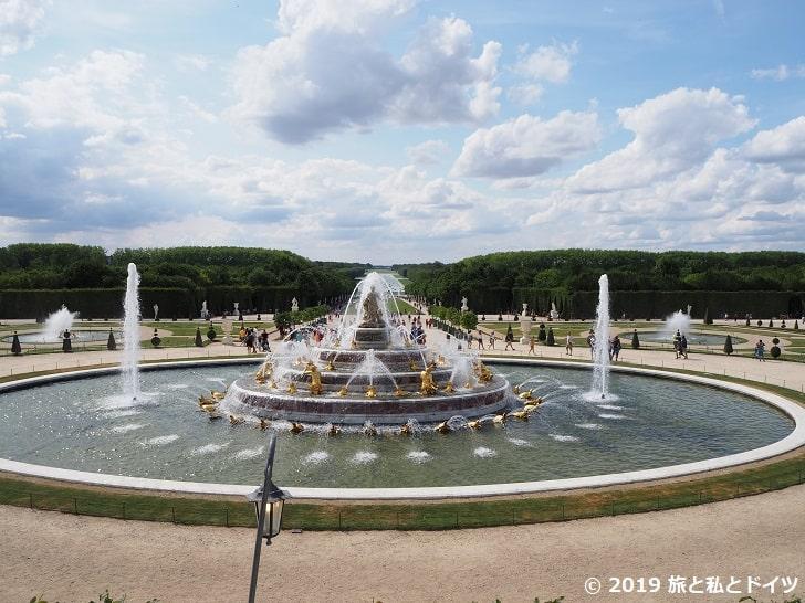 ヴェルサイユ宮殿の昼の噴水ショー