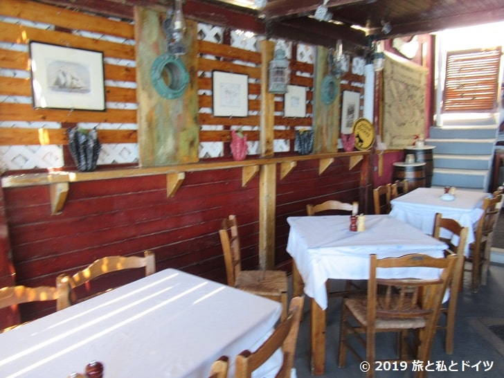 「Dimitris Ammoudi Taverna」の店内