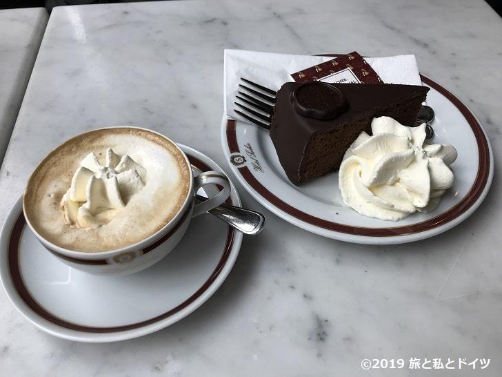 「カフェ・ザッハー」のザッハートルテ
