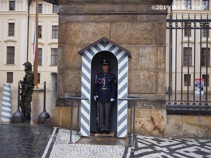プラハ城の衛兵