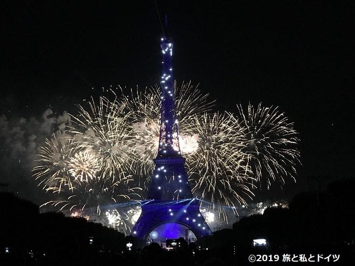 パリ革命記念日の花火