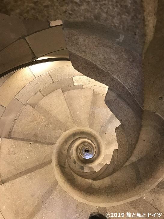 サグラダ・ファミリアのファザードの螺旋階段
