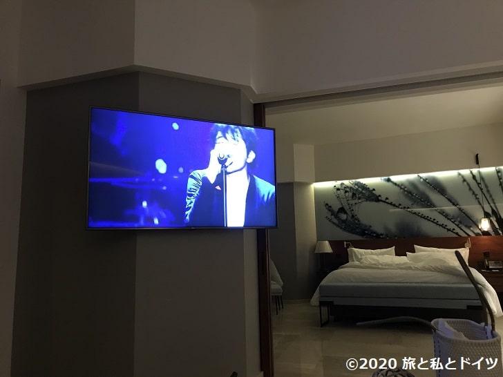 ライブアクアビーチリゾートカンクンのスイートルームのスクリーン