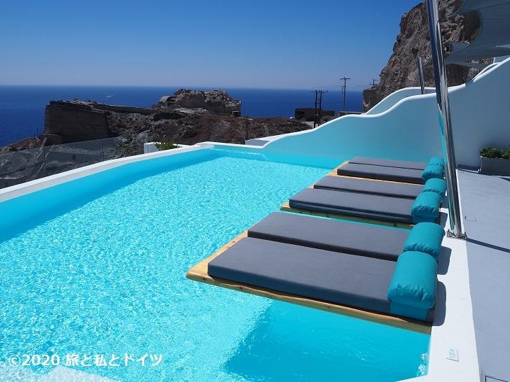 ホテル「Maregio Suites」のプール