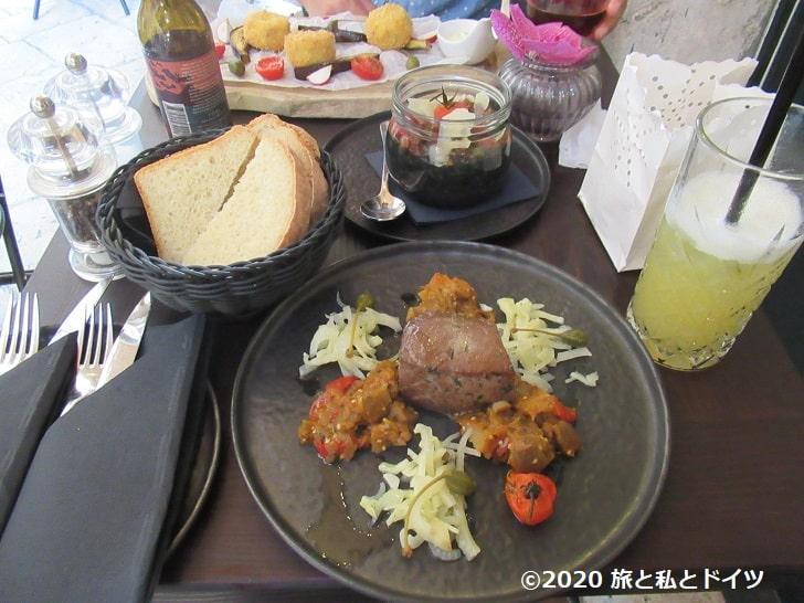 レストラン「Zuzori」