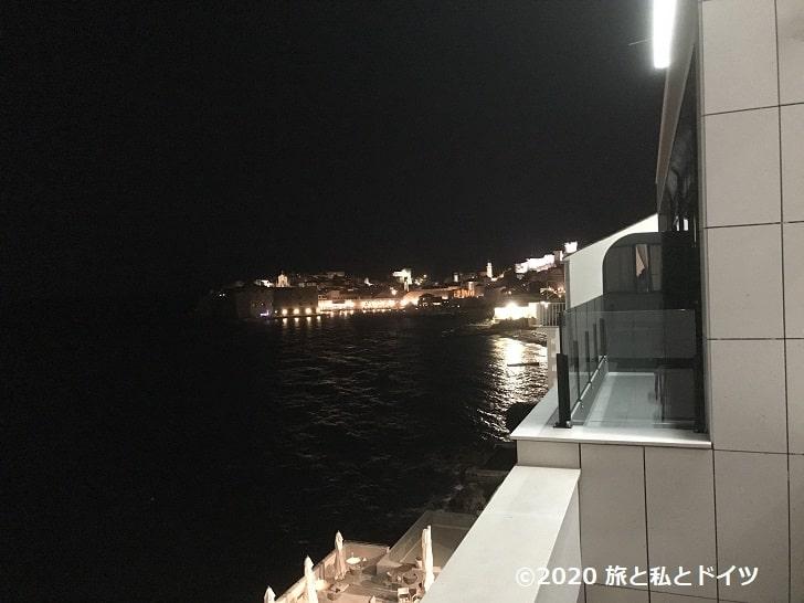 ホテル「エクセルシオール」の部屋からの眺望