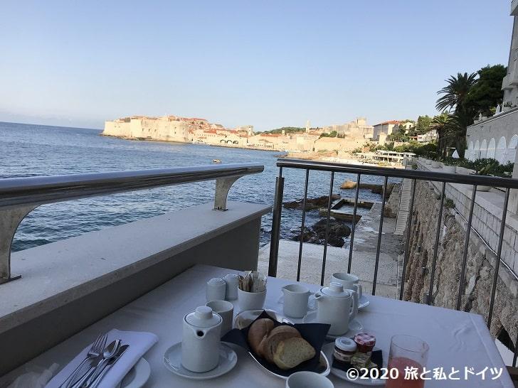 ホテル「エクセルシオール」の朝食