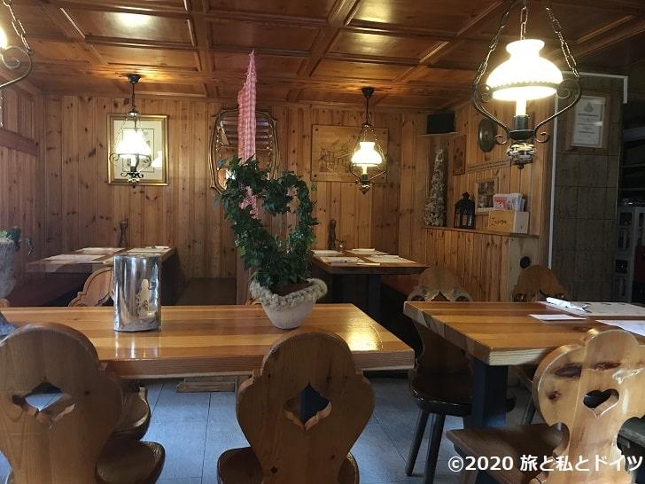 レストラン「Du Pont」の店内